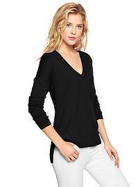 Luxlight V-neck sweater