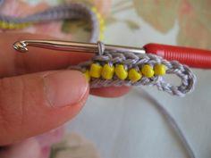 Wrap around crochet bracelet – Free pattern