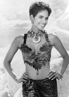 """Halle Berry en """"Los Picapiedra"""" (The Flintstones), 1994"""