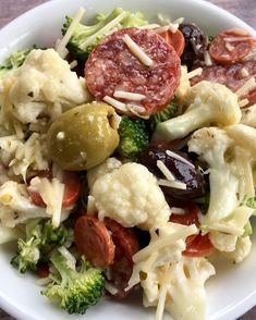 "Ohhhh yes ""antipasto"" salad lunch🤪 . raw broccoli cauliflower salami pepperoni olives Parmesan cheese and Italian dressing and mix all… Healthy Recipes, Low Carb Recipes, Diet Recipes, Healthy Snacks, Healthy Eating, Cooking Recipes, Dessert Recipes, Ketogenic Recipes, Lunch Recipes"