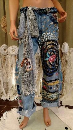 WOW Levi's Jeans 34 Waist Embellished Ripped Distressed Boho Hippie tmyers - Fashion Funky Outfits, Hippie Outfits, Cute Outfits, Denim Fashion, Boho Fashion, Womens Fashion, Ropa Shabby Chic, Hippie Style Clothing, Denim Ideas