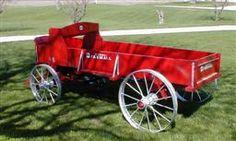 Antique John Deere Studebaker IH Wooden wheel Farm Wagons for Sale Wooden Wagon, Wooden Wheel, Casa Top, Wagons For Sale, Horse Drawn Wagon, Old Wagons, Steel Wheels, Vintage Farm, Ih