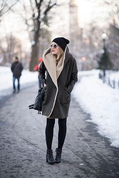 Nobody should give up on looking stylish all year round, so we came up with stylish winter jackets for women for that sharp look every season of the year. Winter Wear, Autumn Winter Fashion, Cozy Winter, Girl Fashion, Fashion Looks, Womens Fashion, Fashion Sale, Style Fashion, Street Look