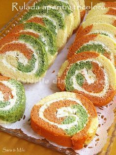 Culorile din farfurie: Tricolor rolls appetizer with cream cheese Finger Food Appetizers, Healthy Appetizers, Appetizer Recipes, Snack Recipes, Cooking Recipes, Snacks, Amazing Food Decoration, Milk Recipes, Food Lists