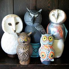 these owls could be an EASY paper mache  project (2 balloons, etc.)
