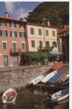 Leuk gezellige B&B Torno alla Riva. Zoals de naam doet vermoeden; direct aan Comomeer, in Torno. Lief klein plaatsje, balkon aan het meer zodat je mooi uitzicht hebt over de wachtenden op de boot. Erg leuk, heerlijk eten, vol terras met plaatselijke bevolking die smikkelen en smullen, bovendien  vriendelijk personeel.