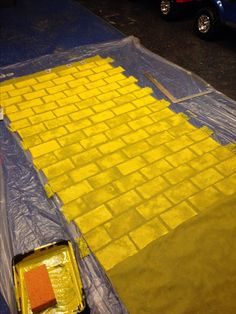 Yellow Brick Road… Used Smart-fab and Sponge Paint… Wizard of Oz Party Ideas… – Decoration Event Wizard Of Oz Play, Wizard Of Oz Decor, Wizard Oz, Do It Yourself Fashion, Themes Photo, Relay For Life, Yellow Brick Road, Camping Parties, Camping Theme