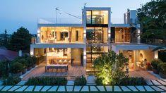 Fuchs Glastechnik: Visionen werden Wirklichkeit |  Einzigartige Wohnerlebnisse mit anspruchsvollstem Glas- und Metallbau Style At Home, Exterior, Mansions, House Styles, Home Decor, Commercial Real Estate, Fox, Corning Glass, Homes