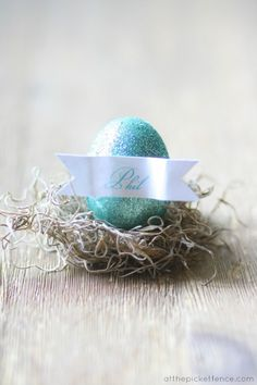 Glittered Egg Place Cards.  Perfect for Easter or a spring brunch!