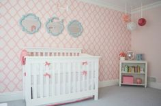 We're obssessed with this #pink #lattice wall for the #nursery!