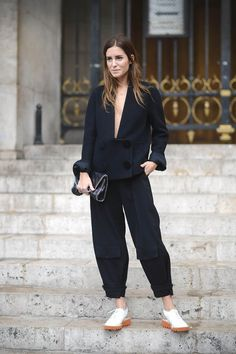 Gala, Opera Paris Sin categoría - Chic Too Chic Casual Chic, Sporty Chic, Gala Gonzalez, Sporty Outfits, Chic Outfits, Jean Moda, Urban Fashion, Sporty Fashion, Mod Fashion