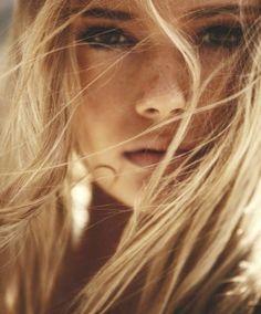 Behind the hair - #photo #girls