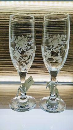 Svadobné poháre, exkluziv, 175ml / kikaso - SAShE.sk - Handmade Nádoby , Wedding glasses Glass Engraving, Flute, Tableware, Handmade, Dinnerware, Hand Made, Tablewares, Flutes, Dishes