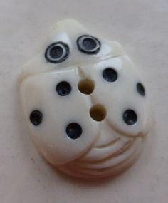 White (Cream) / Ladybird / Matte – Buttonmania
