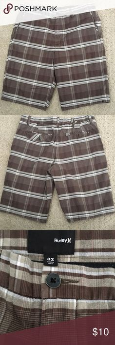 Hurley Men's Shorts Great Condition!!!!!!   See last photo for material details. Hurley Shorts
