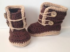 A customer asked for a pair of matching boots to go with a sweater I had made and this is what I came up with. I only have 3-6 months size now, but as I make larger sizes I will update the pattern : )