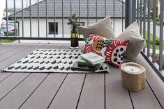 Lese- und Sitzecke am Balkon im Trend 146 W in der Blauen Lagune Trends, Blue Lagoon, Lounge Seating, Porches, Balcony, Beauty Trends