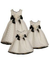 Bonnie Jean LITTLE GIRLS 4-6X IVORY BLACK SWEETHEART NECKLINE EMBROIDERED CIRCLE ORGANZA OVERLAY Special Occasion Flower Girl Easter Party Dress  Clothing - Up to 40 Off Dresses - End Promotion Mar 21, 2012 http://www.amazon.com/l/4642811011/?_encoding=UTF8&tag=toy.model.collection.hobby-20&linkCode=ur2&camp=1789&creative=9325 $47.60