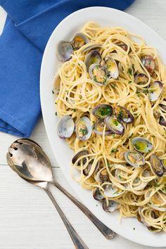 Yummy Pasta Recipes, Seafood Recipes, Italian Dishes, Italian Recipes, Risotto, Steamed Clams, Spaghetti Recipes, Fish And Seafood, Pasta Dishes