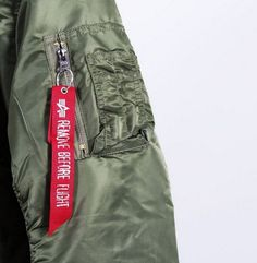 """The """"Remove Before Flight"""" tag was originally used as a safety warning - how do you wear it? (wellgosh, via Insta) Mens Flight Jacket, Military Bomber Jacket, Alpha Industries Ma 1, Military Flights, Fighter Pilot, Unisex Fashion, Female Models, How To Remove, Street Style"""
