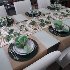 Conjunto Completo Kit de Mesa ARUBA II Dining Room Table Decor, Dining Table In Kitchen, Deco Table, Decoration Table, Table Setting Inspiration, Fabric Placemats, Dinner Room, House Plants Decor, Table Arrangements