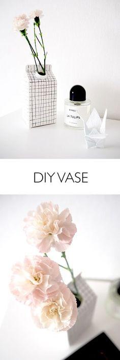 Für Minimalisten: So gelingt Euch das Upcycling für eine Vase aus Tetrapack. #diy #selbstgemacht #vase