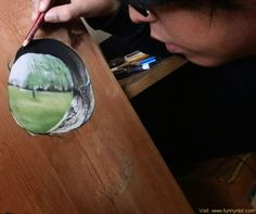Drawing Realistic Anamorphic Drawings on Wood by Ivan Hoo - Singaporean artist Ivan Hoo uses pencils and pastels to create photorealistic illusion illustrations directly on pieces of wood. The illustrations are 3d Street Art, Street Artists, Realistic Paintings, Realistic Drawings, Wood Canvas, Wood Art, Cola Dose, Hyperrealistic Drawing, 3d Drawings