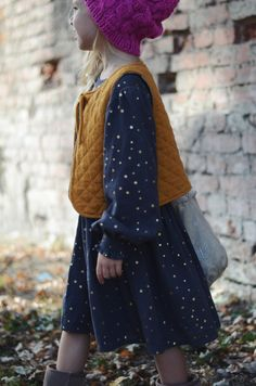 gold stars on blue - love this look!