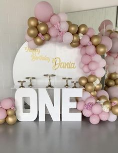 Happy Birthday Tag, Baby Boy 1st Birthday Party, Birthday Balloon Decorations, Birthday Tags, Girl Birthday Themes, Balloon Centerpieces, First Birthday Invitations, Birthday Party Decorations, Birthday Parties