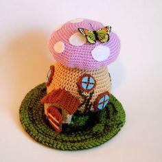 Free Pattern! Spring Fairy House  <3 craftyiscool.com, #crochet, #haken, gratis patroon (Engels), paddenstoel, huisje, sprookje,