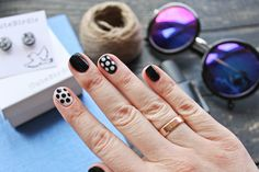 Nails: black and white and polka dots Black Nails, Pretty Nails, My Nails, Polka Dots, Black And White, Cute Nails, Black N White, Belle Nails, Black White