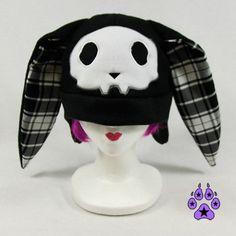 Black spooky Bunny Hat skull bones fleece cosplay by pawstar Harajuku Fashion, Punk Fashion, Diy Goth Clothes, Kawaii Goth, Gothic, Bunny Hat, Cute Hats, Alternative Outfits, Skull And Bones