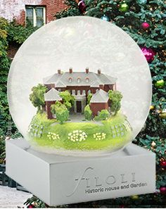 CoolSnowGlobes created a beautiful custom snow globe for Filoli in Woodside, CA. Included in the National Trust for Historic Preservation, Filoli features a 54,000 sq. ft. home, a 16-acre English Renaissance Garden, and fabulous holiday celebrations every year! Click below to learn more about this exceptional site and non-profit organization. http://bit.ly/2ATL7aJ http://bit.ly/2Cc8z33 #coolsnowglobes #filoli #customsnowglobe #holidayglobes