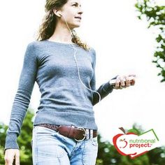 Camminare per dimagrire: perché conviene, come farlo e come farlo in modo efficace. Camminare con passo veloce per perdere i chili di troppo e stare bene.