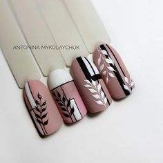 the most amazing nail design 16 Rose Nail Art, Rose Nails, Flower Nail Art, Beautiful Nail Designs, Beautiful Nail Art, Nail Drawing, Geometric Nail, Nail Art Videos, Stylish Nails