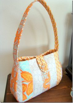 Cute purse pattern from Simplicity.