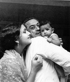 Kishore Kumar with his wife Leena Chandavarkar and son Sumit Kumar.