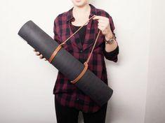 Tutoriel DIY: Fabriquer un porte-tapis de gym en cuir en 5 minutes via DaWanda.com