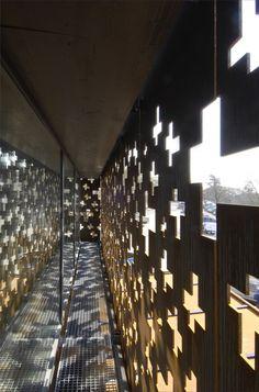 Rhine Falls Visitor Center / Leuppi  Schafroth Architekten