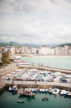 Harbor in San Sebastian Spain | photography by http://www.plentytodeclareweddings.com/