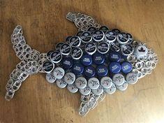 Diy Bottle Cap Crafts, Beer Cap Crafts, Bottle Cap Projects, Craft Beer, Beer Cap Art, Beer Bottle Caps, Beer Caps, Beer Bottles, Bottle Top Art