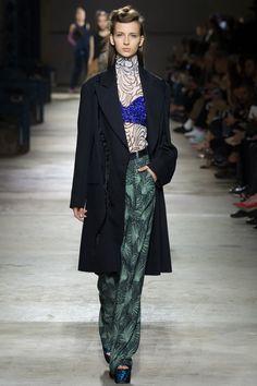 Dries Van Noten Spring 2016 Ready-to-Wear Fashion Show - Waleska Gorczevski (OUI)