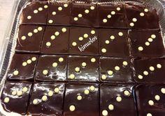 Πάστα ταψιού... ένα γλυκάκι παλαιάς κοπής! συνταγή από kimwlos - Cookpad Greek Sweets, Greek Desserts, Greek Recipes, Desert Recipes, Chocolate Pasta, Chocolate Cake, Cookbook Recipes, Cooking Recipes, Homemade Sweets