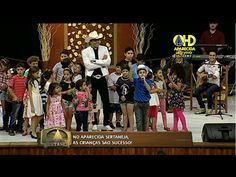 Aparecida Sertaneja   Crianças da plateia cantam e rezam com Padre Alessandro - 17 de Março - YouTube