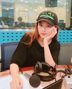 Kpop Girl Groups, Korean Girl Groups, Kpop Girls, Red Velvet Seulgi, Red Velvet Irene, Kang Seulgi, Kim Yerim, Cute Bears, Peek A Boos