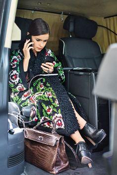 The Best Alternative Taxi Apps To Uber London Fashion Weeks, Fashion Week Paris, Winter Fashion, Milan Fashion, Mode Outfits, Basic Outfits, Fashion Outfits, Womens Fashion, Petite Fashion