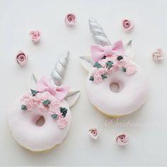 : @christinascupcakes. #unicorn #rainbow #cupcakes #pastell #pink #doughnut #inspiration #delicate #delikat #elegant  #dinbabyshower #detlilleekstra #babyshower #dåp #navnefest #fødsel #fest