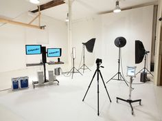 photography studio design - Google Search  Computer stands