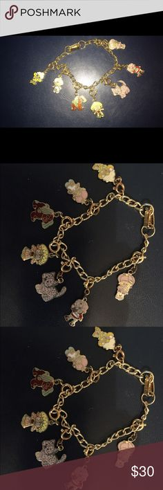 "Vintage Strawberry Shortcake charm bracelet It includes 7 detachable charms and is 6""1/2 long Jewelry Bracelets"