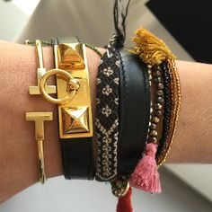 Spotted this great stack on @iammaia today at the @fashtechforum. Come try on some of our vintage designer gems today at the @eBay startup bar, 5th floor @fashtechforum. #Vintage #Designer #Jewelry #FTF #FTF2015 #FashionTechForum #fashion #technology #conference #springstudios #FTFspeaks #VintageJewelry #DesignerJewelry #FineJewelry #Hermes #Tiffany #TiffanyCo #TiffanyAndCo @tiffanyandco #tiffanyT #armparty